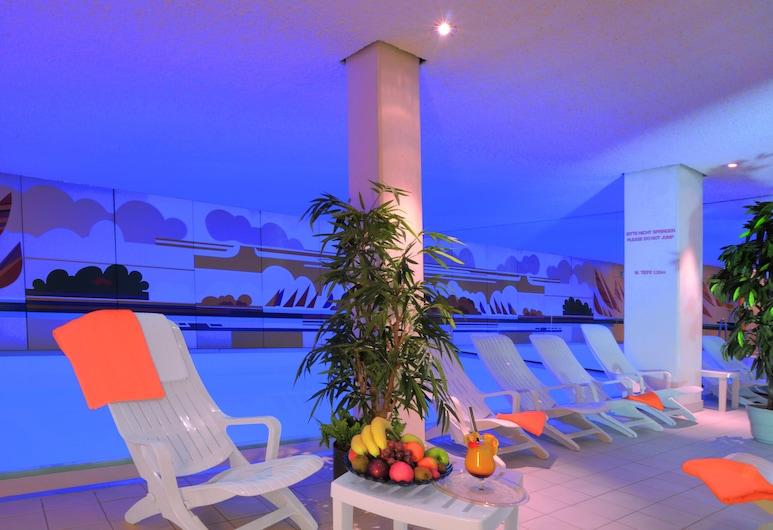 Ringhotel Loew's Merkur, Norimberk, Krytý bazén