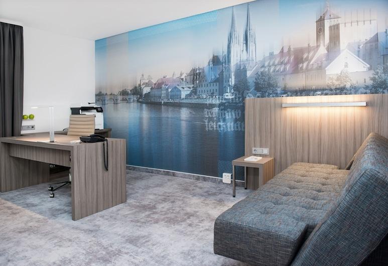 ACHAT Hotel Regensburg im Park, Regensburg , Suite, Ruang Tamu
