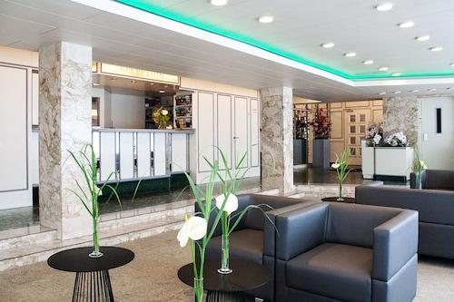 โรงแรมอาเวีย/