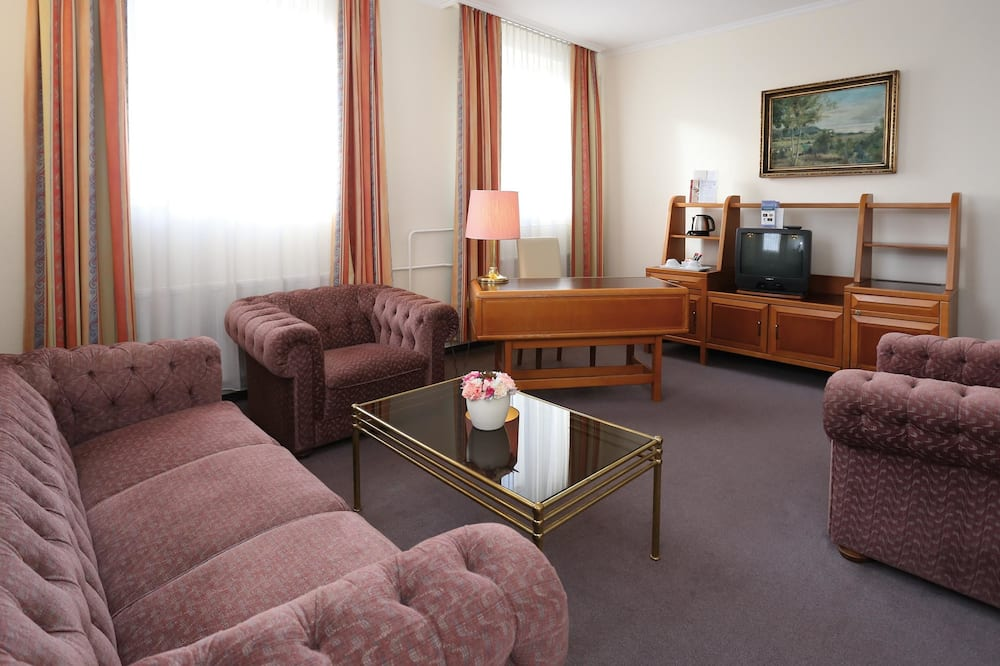 Suite (with air-conditioning) - Living Area