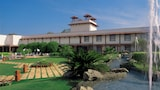 Choose This Spa Hotel in Agra - Online Room Bookings
