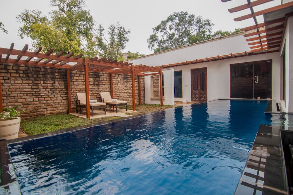 Luxury Villa, 1 Bedroom, Pool View - Guest Room View