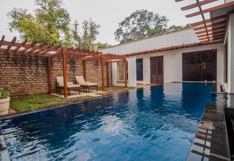 Taj Usha Kiran Palace Hotel, Gwalior, Stórt lúxuseinbýlishús - 1 svefnherbergi - útsýni yfir sundlaug, Útsýni úr herbergi