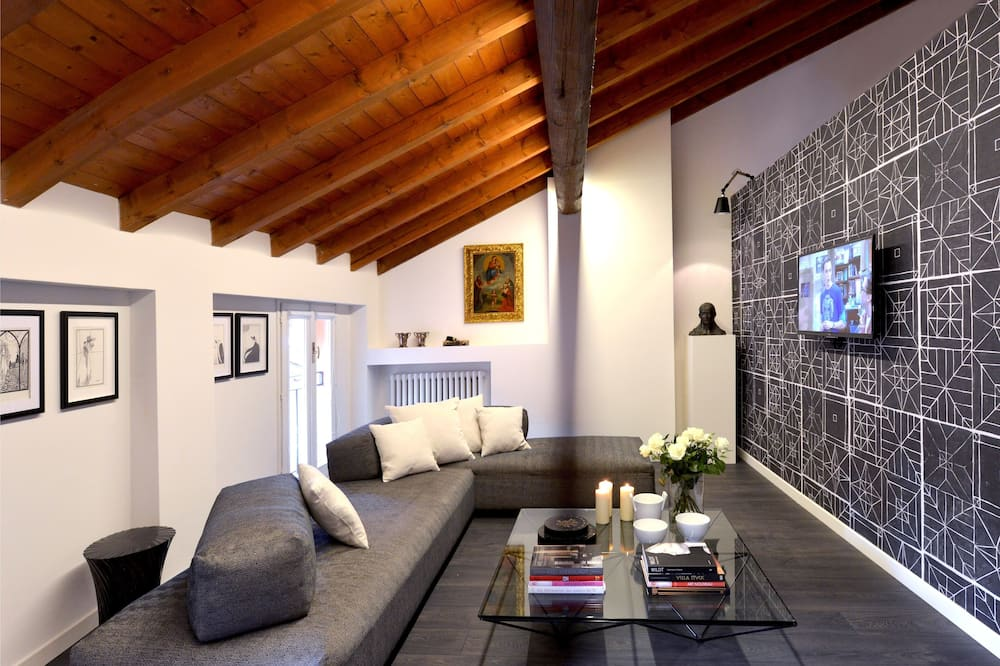 Deluxe Apartment, 2 Bedrooms, Annex Building - Ruang Tamu