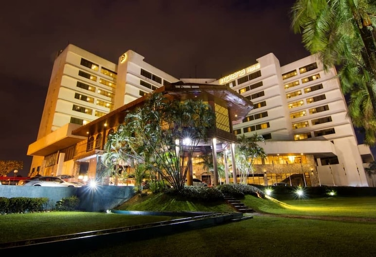 Impiana Hotel Ipoh, Ipoh, חזית המלון - ערב/לילה