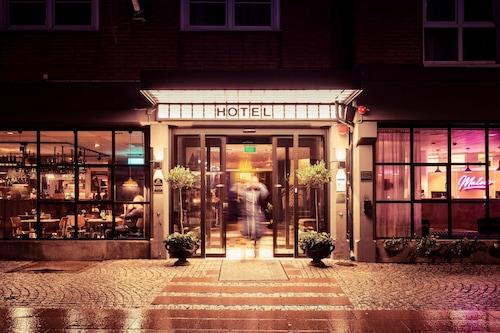 貝斯特韋斯特貴族山莊酒店/