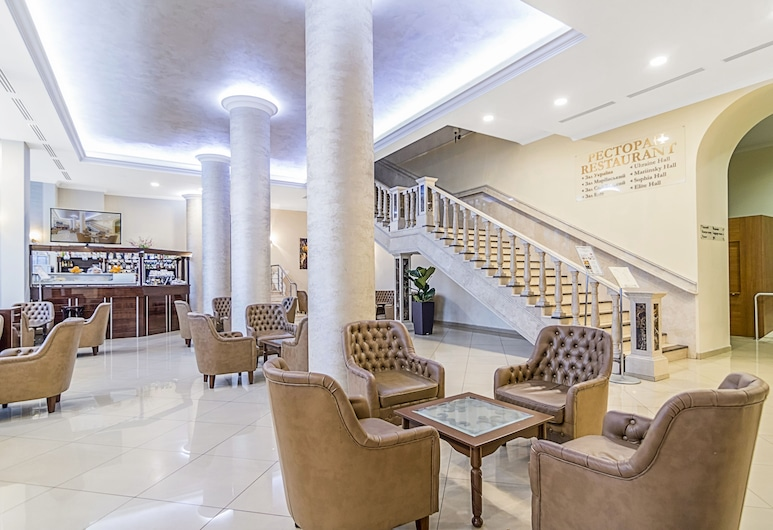 Hotel Ukraine, Kyiv, Interior Entrance