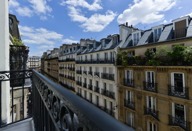 Résidence du Pré, Paris, View from Hotel