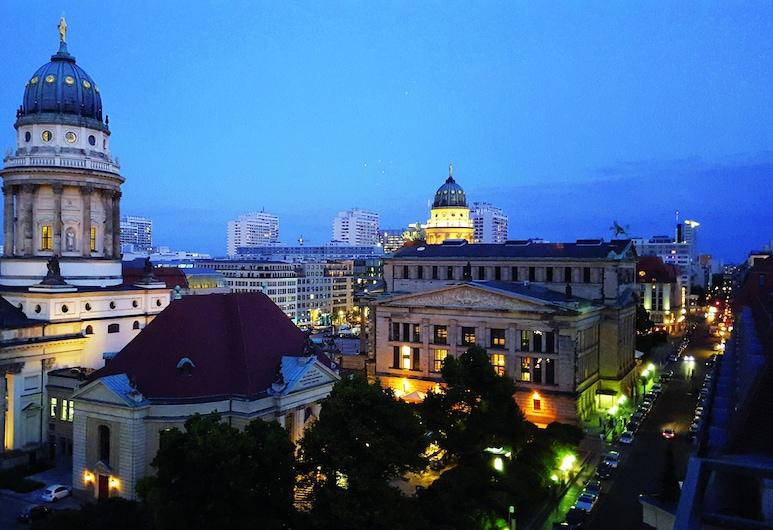 Regent Berlin, Berlin, Utvendig