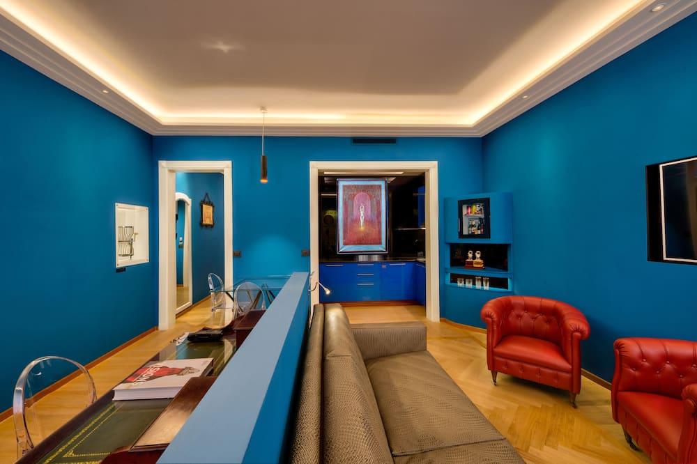 Luxus apartman, 1 queen (nagyméretű) franciaágy és egy kihúzható kanapé, kapcsolódó épület - Nappali