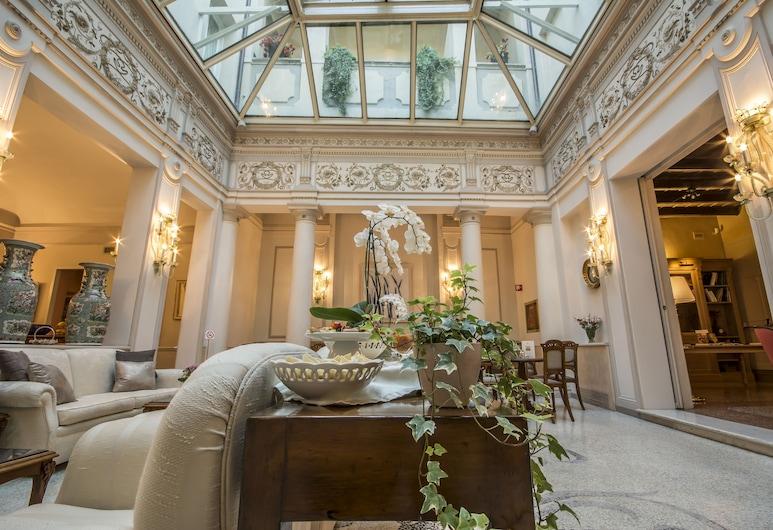 Hotel Corona d'Oro, Bologna, Hall