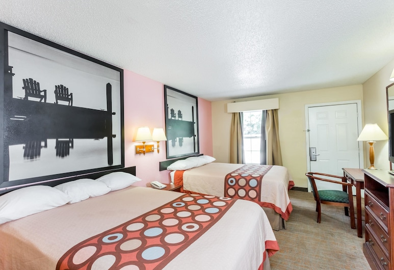 Super 8 by Wyndham Statesboro, Statesboro, Room, 2 Double Beds, Smoking, Guest Room