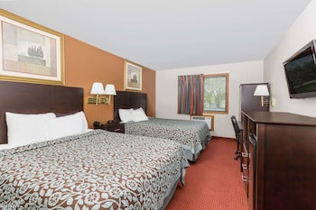Picture of Days Inn And Suites Des Moines Airport in Des Moines