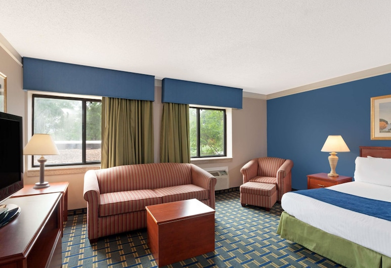 Baymont by Wyndham Memphis East, Memphis, Studio Suite, 1 King Bed, Non Smoking, Guest Room