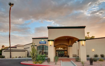 Bild vom Days Inn & Suites by Wyndham Scottsdale North in Scottsdale
