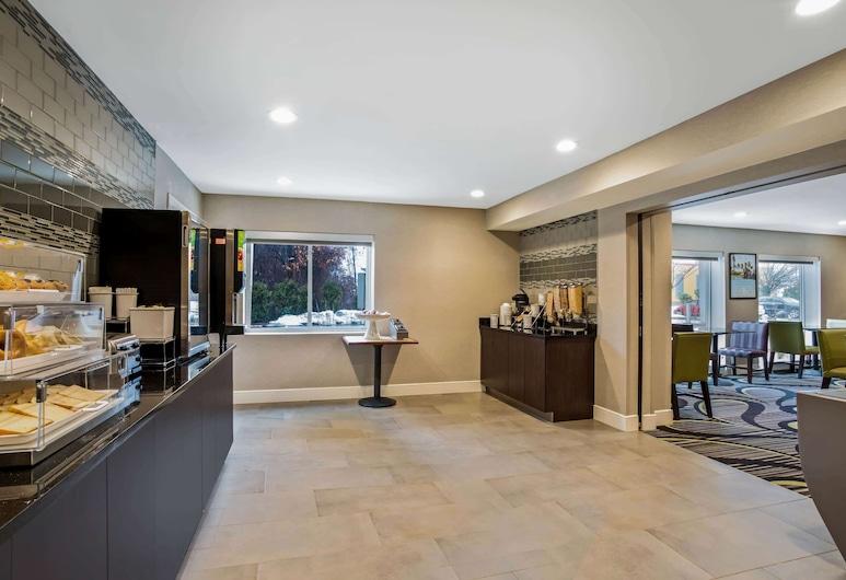 La Quinta Inn & Suites by Wyndham Hartford - Bradley Airport, Windsor Locks, Pomieszczenie śniadaniowe