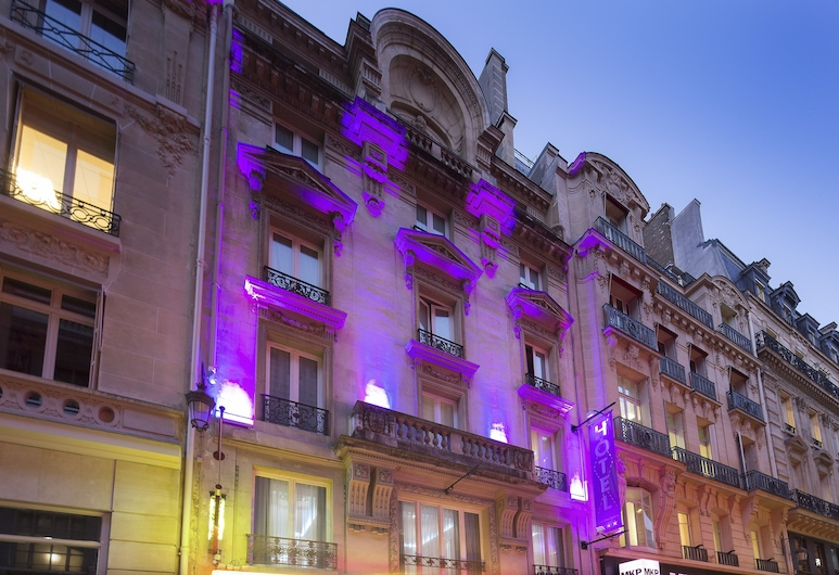 Hotel Daunou Opera, Pariis, Fassaad õhtul/öösel