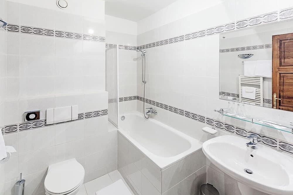 Двомісний номер категорії «Superior» (2 односпальних ліжка), 2 односпальних ліжка - Ванна кімната