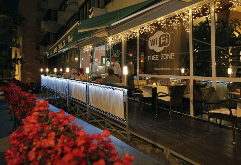 Hotel Charles, Budapest, Outdoor Dining
