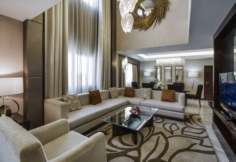 Crowne Plaza Dubai Deira, דובאי, דופלקס רויאל, סלון