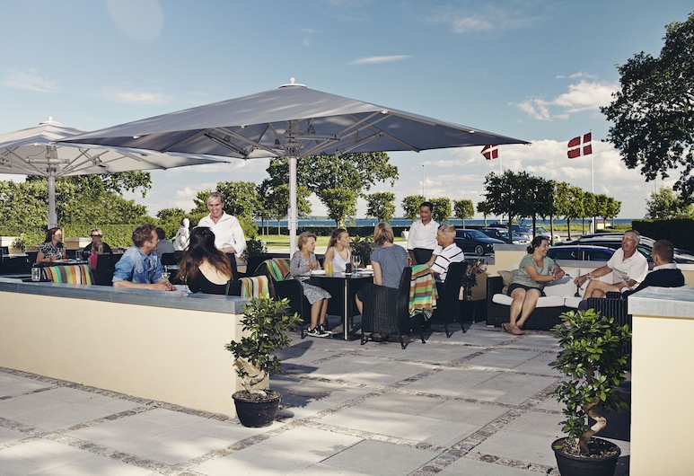Molskroen Strandhotel, Ebeltoft, Outdoor Dining