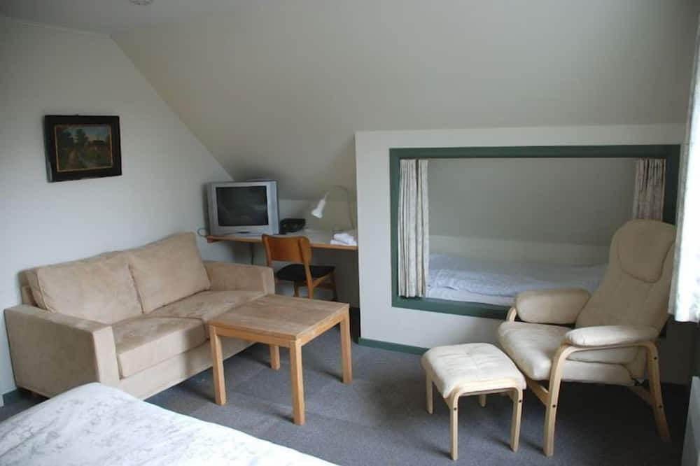 Triple Room - Ruang Tamu