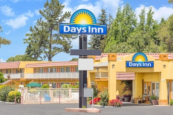 Hotels In King City