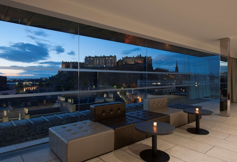 DoubleTree by Hilton Edinburgh City Centre, Edimburgo, Bar del hotel