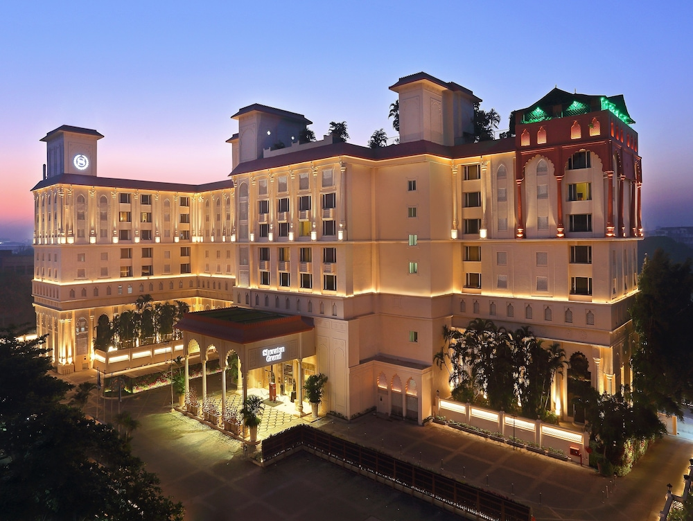 hotel sheraton grand hotels pune india gateway garden bund