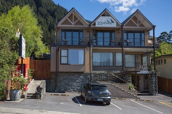 Picture of Lomond Lodge Motel & Apartments in Queenstown