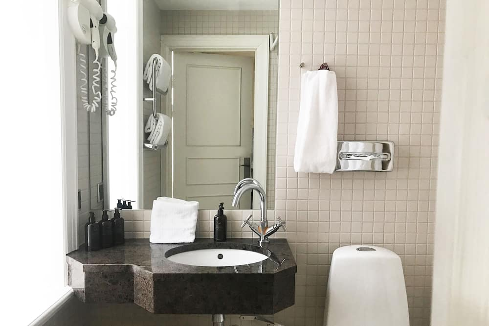 Standard Single Room (1 semidouble Bed 140x200cm) - Kylpyhuone