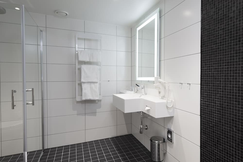 Phòng (Accessible) - Phòng tắm