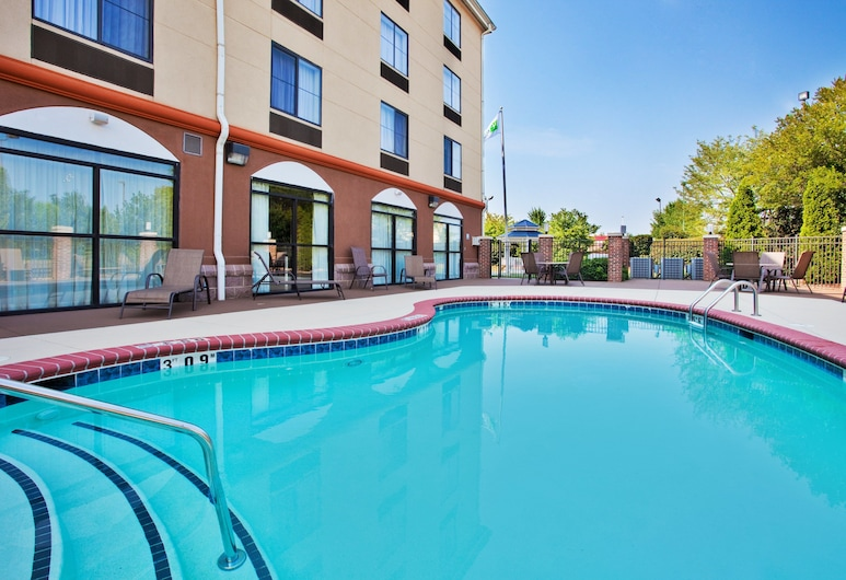 Holiday Inn Express Hotel & Suites Charlotte-Concord-I-85, an IHG Hotel, Concord, Pool