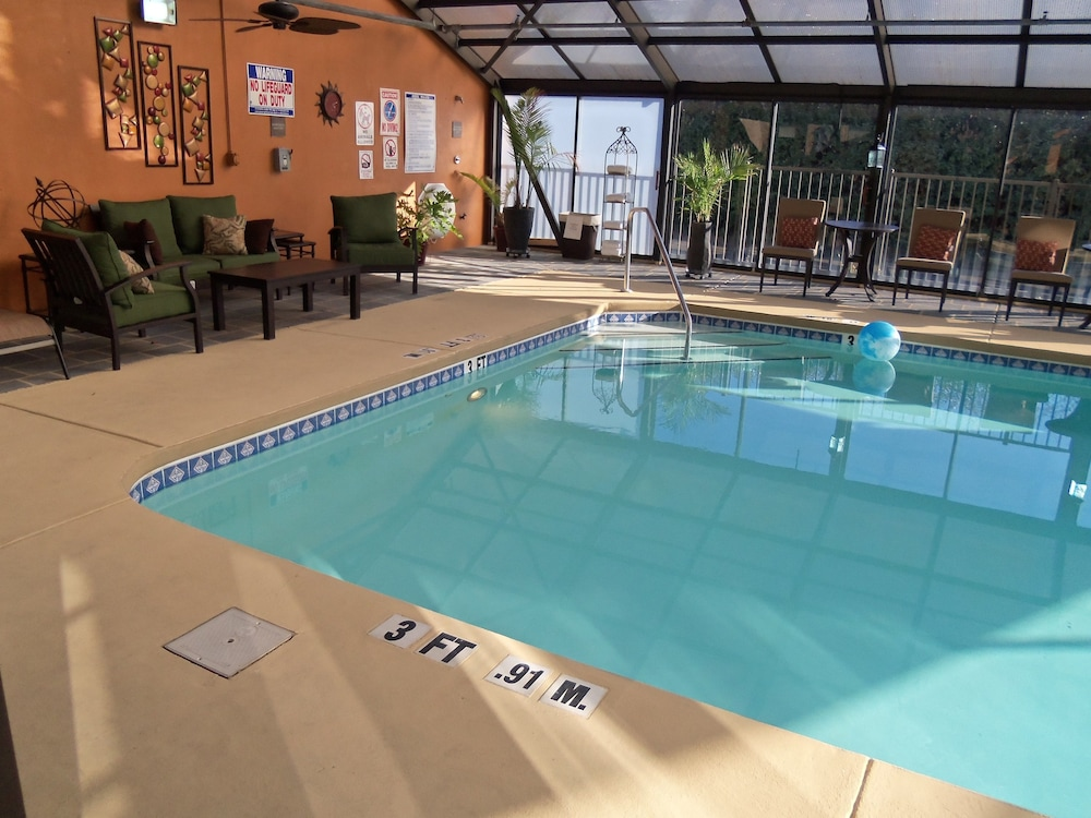 Holiday Inn Express Hotel Suites Sanford