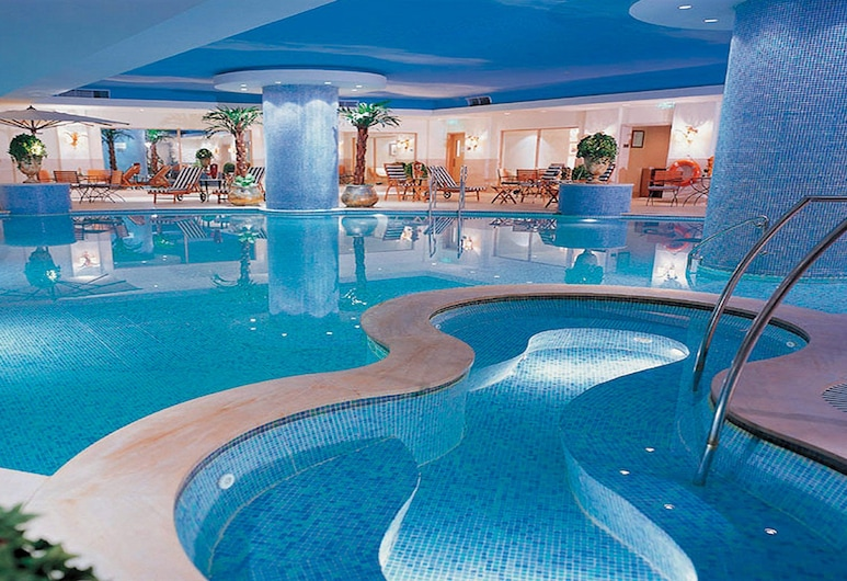 Crowne Plaza Hotel Qingdao, an IHG Hotel, Qingdao, Piscina