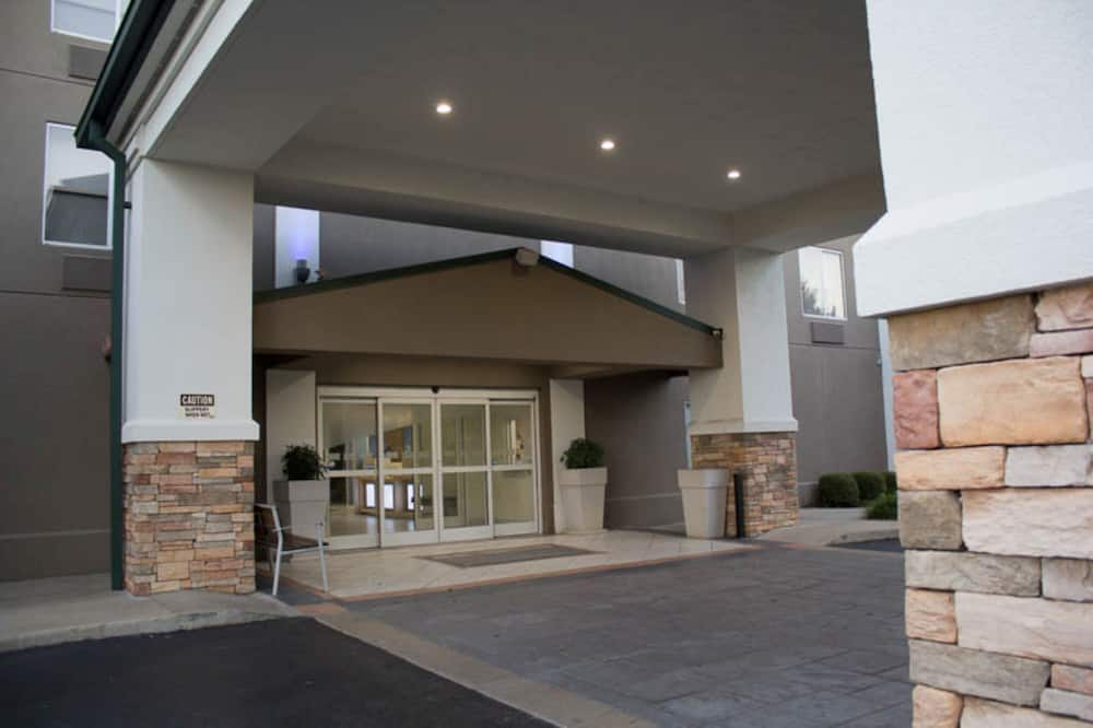 Holiday Inn Express Hotel and Suites Kings Mountain, an IHG Hotel
