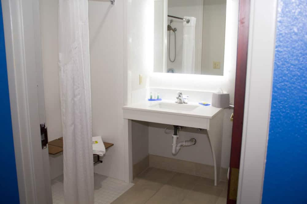 Standard Room, 1 King Bed (Mobility, Roll-In Shower) - Bathroom