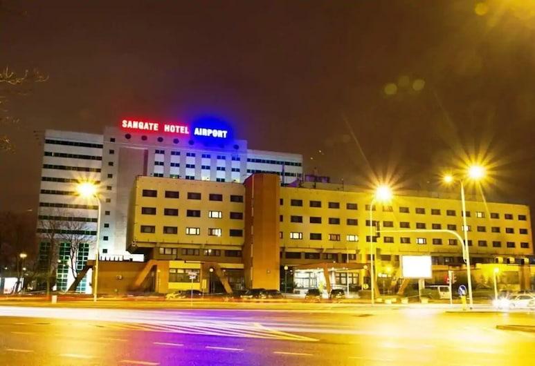 Sangate Hotel Airport, Warsaw, Hadapan Hotel