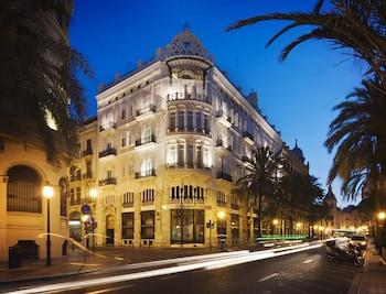 Picture of One Shot Palacio Reina Victoria 04 in Valencia