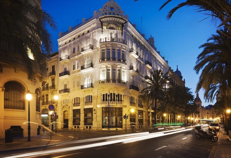 One Shot Palacio Reina Victoria 04 Hotel, Valencia