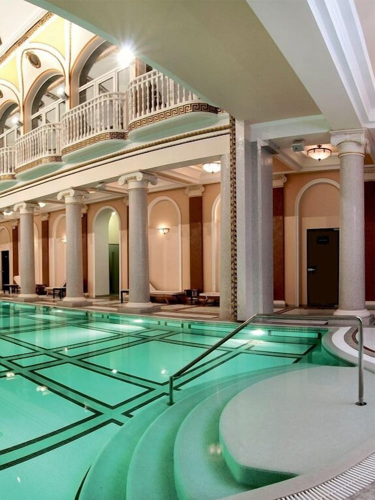 Londonskaya Hotel, Odessa