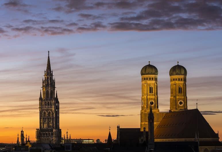 Holiday Inn Munich - City Centre, Múnich, Habitación ejecutiva, 1 cama doble, vista a la ciudad, Vista a la ciudad