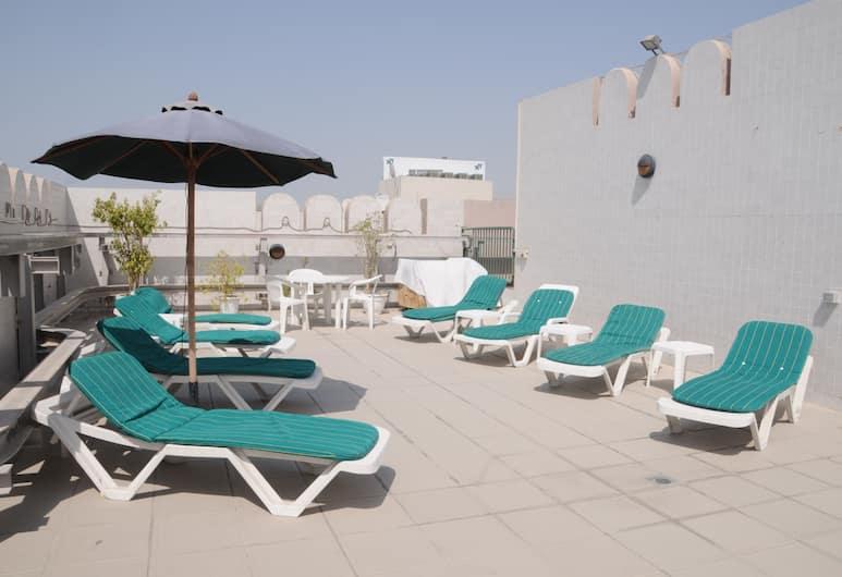 Pearl Residence Hotel Apartments, Dubai, Rooftop Pool