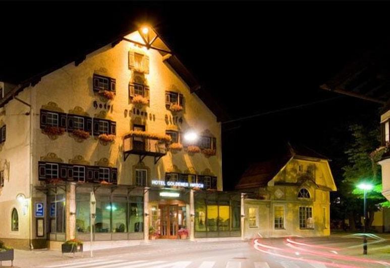 Hotel Goldener Hirsch, Reutte, Fachada del hotel de noche