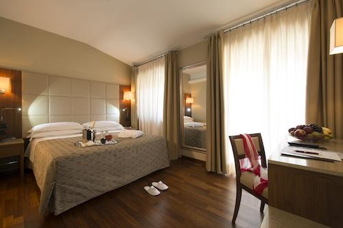 米蘭菲尼斯飯店/