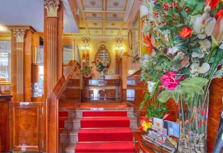Hotel Vittoria, Milan, Reception