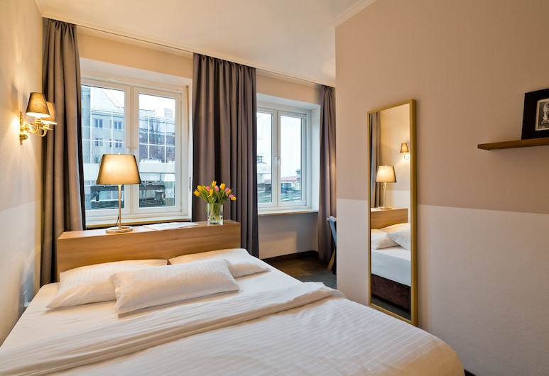 Hotel Stachus, Munich, Comfort Double Room, Bilik Tamu