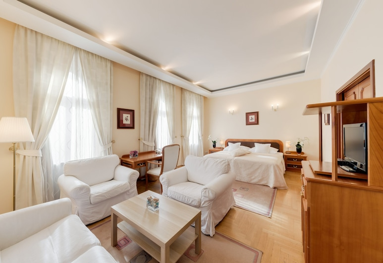 Hotel Louren, Prague, Junior Suite, Non Smoking, Living Area