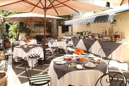 Hotel Degli Aranci, Rome: Info, Photos, Reviews | Book at Hotels.com