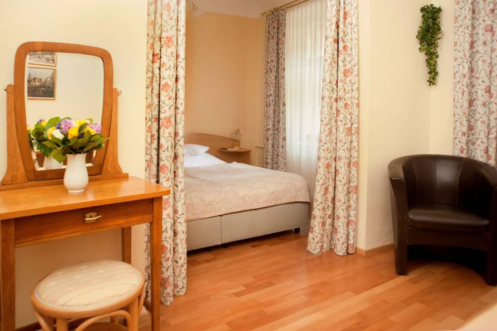 Double Room (Non-Accessible) - Oturma Alanı